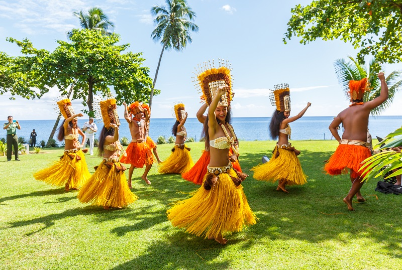 how to get from papeete to bora bora